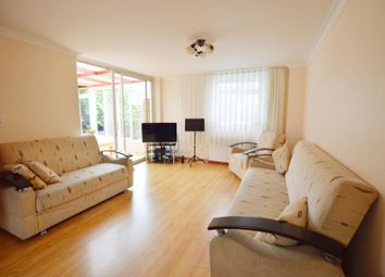 Thumbnail 4 bedroom property to rent in Maple Avenue, London
