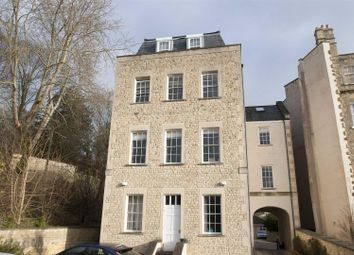 2 bed flat to rent in Park Street, Bath BA1