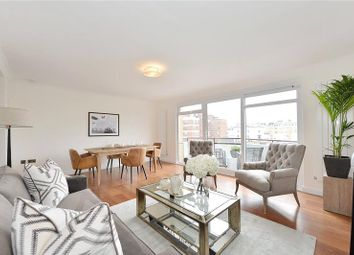 Thumbnail 2 bed flat for sale in Clifton Place, Hyde Park