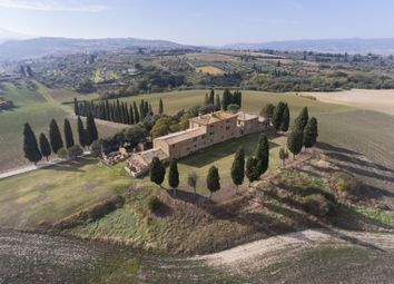 Thumbnail 9 bed farmhouse for sale in Val D'orcia, San Quirico D'orcia, Siena, Tuscany, Italy