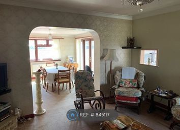 Thumbnail 2 bed bungalow to rent in Bedfont Road, Middlesex
