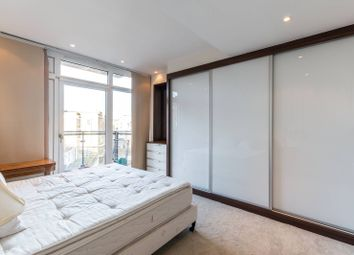 Thumbnail 2 bed flat for sale in Hepworth Court, Chelsea, Chelsea