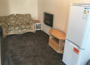 Thumbnail Studio to rent in Myrtle Avenue, Feltham