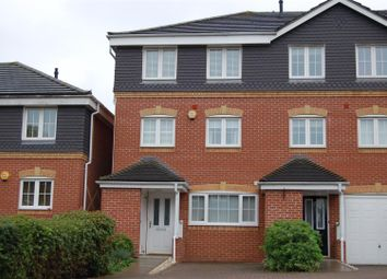 Thumbnail 4 bed town house to rent in Henley Road, Caversham, Reading
