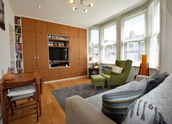 Thumbnail 2 bed flat to rent in Glebe Road, London