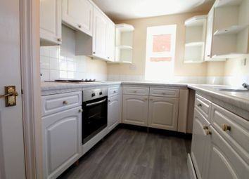 Thumbnail 2 bedroom flat to rent in Moorhen Court, Redwing, Aylesbury, Bucks
