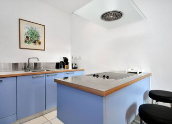 Thumbnail 2 bed flat to rent in Drury Lane, Covent Garden