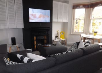 Thumbnail 2 bed flat to rent in Warwick Road, Hampton Wick, Kingston Upon Thames