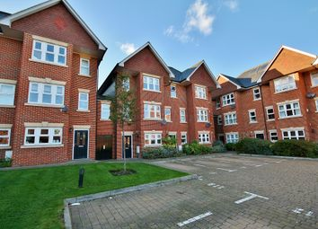 4 bed town house to rent in Smiles Place, Woking GU22