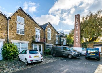 Thumbnail 1 bed property to rent in Welmar Mews, Clapham