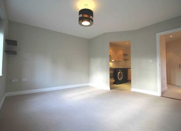 Thumbnail 2 bed flat to rent in Kingsleigh Close, Brentford