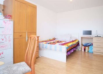 Thumbnail 3 bed flat to rent in Fern Street, London