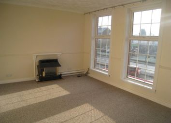 3 bed flat to let in New Road