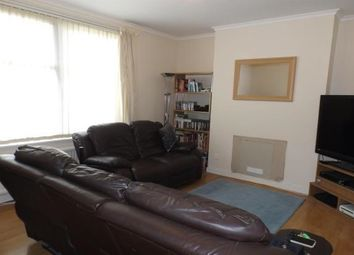 Thumbnail 2 bed flat to rent in Lawton Terrace, Dundee