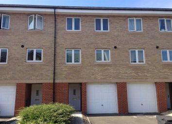 Padstow Road, Churchward, Swindon SN2. 3 bed town house