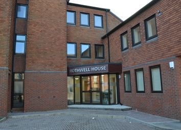 2 bed flat to rent in Rothwell House, Pembroke Road, Newbury RG14