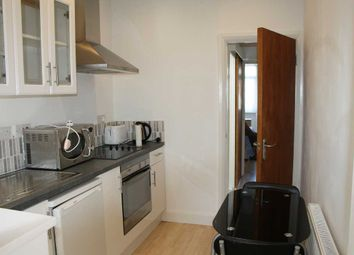 Thumbnail Studio to rent in Chase Way, London