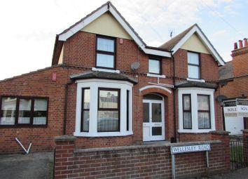 Thumbnail 1 bedroom flat to rent in Wellesley Road, Clacton-On-Sea