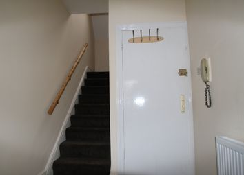 Thumbnail 2 bed flat to rent in Dunheved Road, Croydon