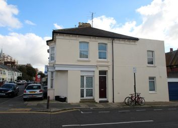 Thumbnail 1 bed flat to rent in Byron Street, Hove