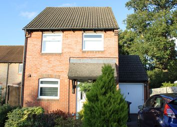 Thumbnail 3 bed detached house for sale in Simmons Field, Thatcham
