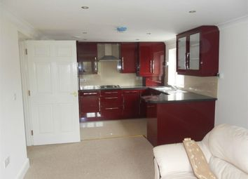 Thumbnail 1 bed flat to rent in Lampton Road, Hounslow, West London, Hounslow