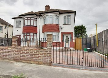 Thumbnail 3 bed property to rent in Ruthven Avenue, Waltham Cross