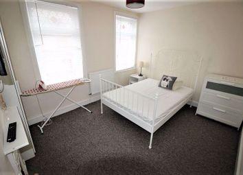 Fully Furnished En-Suite Room ....