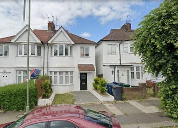 2 bed maisonette to rent in Golders Manor Drive, London NW11