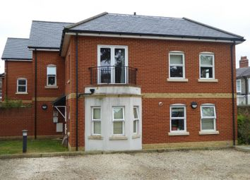 Thumbnail 1 bed flat to rent in Aviator Place, 112 Crescent Road, Reading