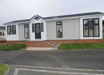 Thumbnail 2 bed mobile/park home for sale in Poplar Close, Llandeilo Road, Cross Hands