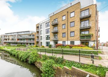 2 bed flat for sale in Mead Lane, Hertford SG13