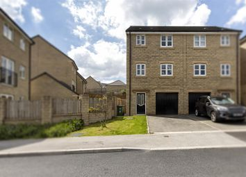 4 bed town house for sale in Tennyson Avenue, Huddersfield HD3