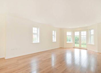 Thumbnail 2 bed flat to rent in Pewley Heights, Guildford