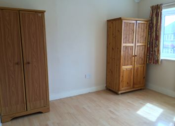 Thumbnail 1 bed flat to rent in Taunton Ave, Hounslow