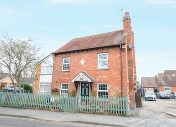 Thumbnail 3 bed detached house for sale in Leamington Road, Long Itchington, Southam, Warwickshire