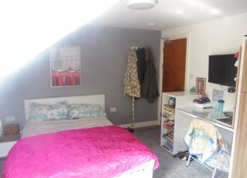 Room to rent in Richmond Road, Cardiff CF24