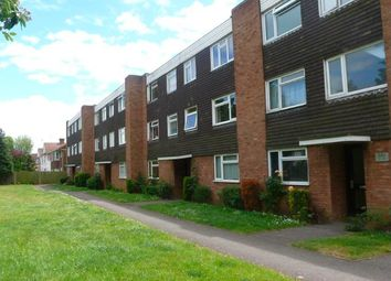 Thumbnail 2 bed flat to rent in Hill Rise, Langley