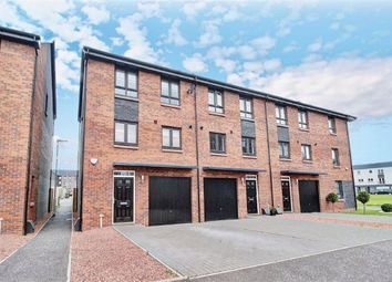 Thumbnail 3 bed town house for sale in Fingal Road, Renfrew
