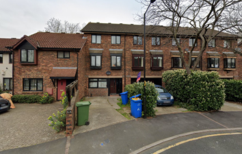 Thumbnail Studio to rent in Allendale Close, London