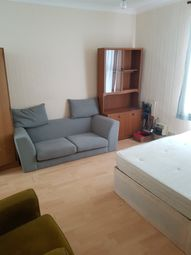 Thumbnail 2 bed flat to rent in Worton Road, Isleworth