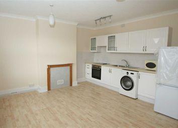 2 bed flat to rent in Craven Road, Newbury RG14