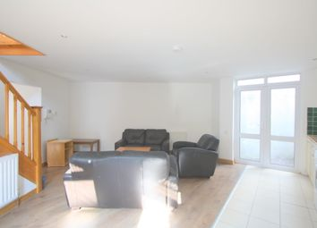 Thumbnail 5 bed flat to rent in Tabley Road, London