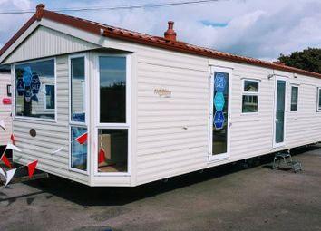 Thumbnail 2 bed bungalow for sale in Hook Park Estate, Hook Park Road, Warsash, Southampton