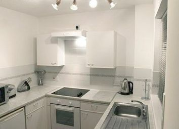 1 bed studio to let in St. Peters Gardens