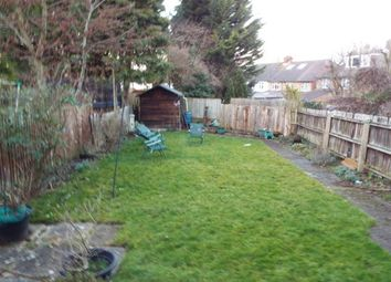 Thumbnail 3 bedroom detached house to rent in Carlton Crescent, Luton