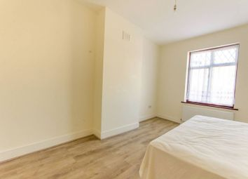 Thumbnail 3 bedroom flat to rent in Coppermill Lane, Walthamstow