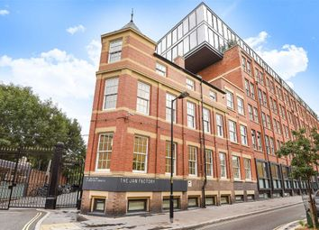 Thumbnail 2 bedroom flat for sale in Green Walk, London