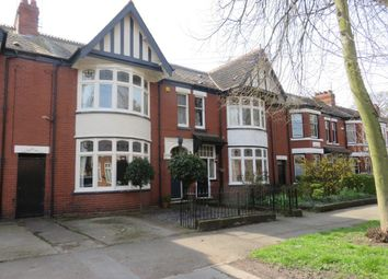 Thumbnail 4 bed property for sale in Park Avenue, Hull