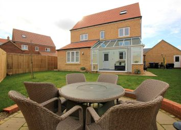 Thumbnail 6 bed detached house for sale in Dunnock Close, Hemel Hempstead